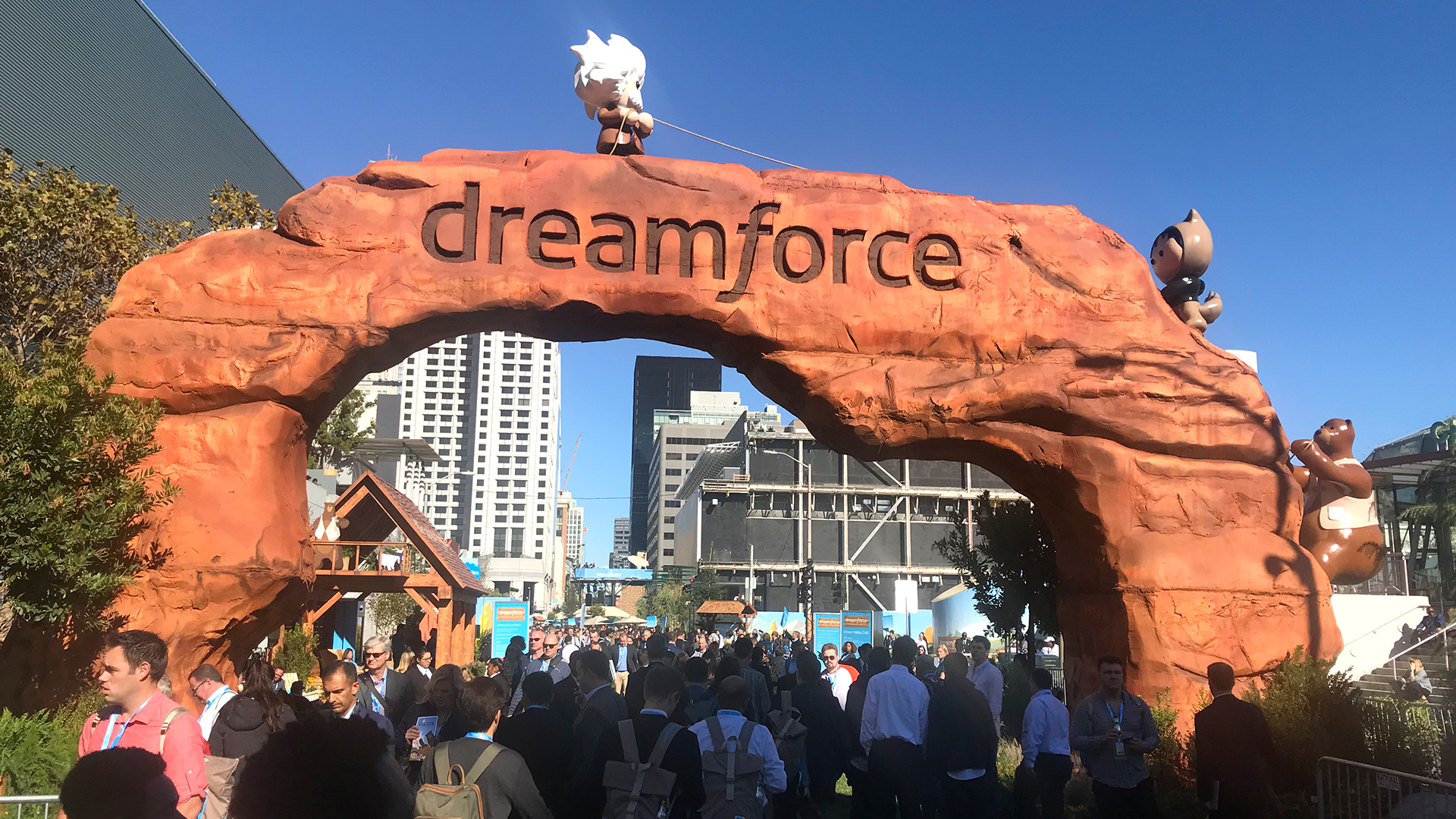 Dreamforce archway